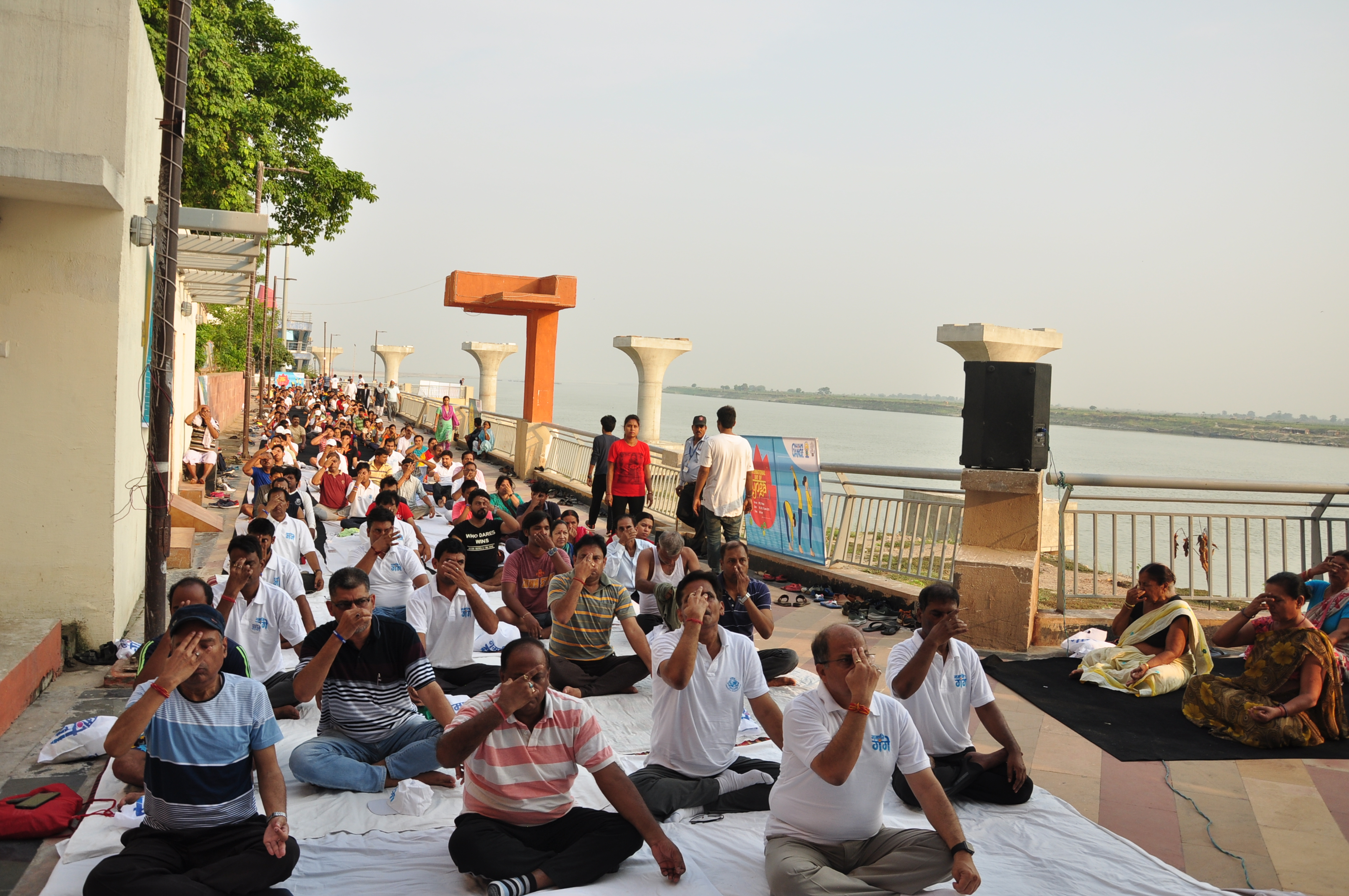 Diverse public space uses along Patna Riverfront, India. Photo by NMCG.